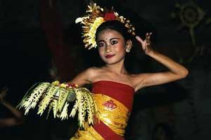 Tari pendet di Bali