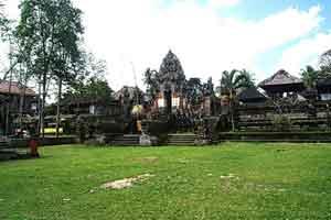 Pura-Pusering-Jagat di Bali