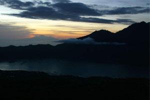 Gunung batur di pagi hari