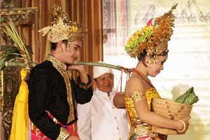 Prosesi pernikahan di Bali