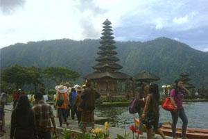 Objek wisata Bedugul dan wisatawan