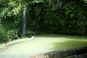 Air terjun dan permandian Angseri