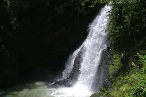 Air terjun singsing di Banjar