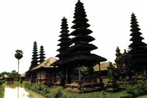 Meru di Bali